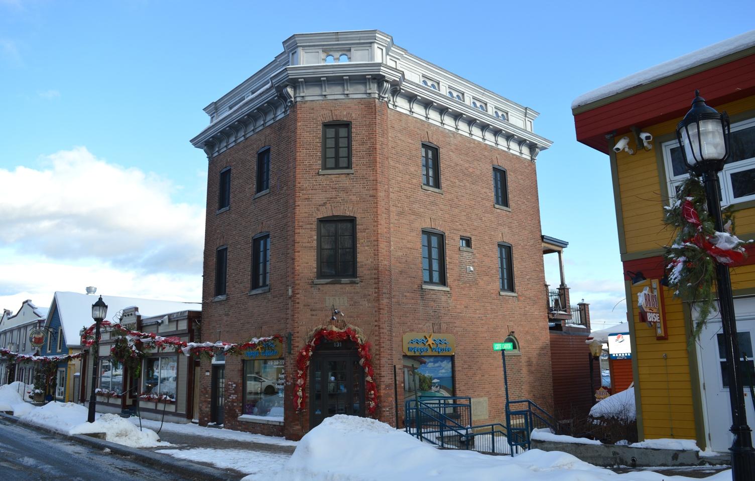 Vieux bureau de postes old post office building gaspé quebec